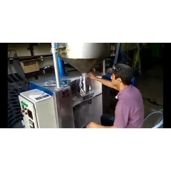 دستگاه پرکن پودری نیمه اتوماتیک کیسه ای Kh13